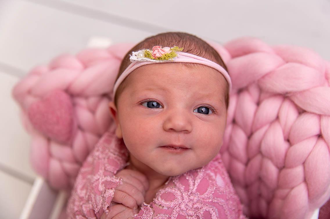 newborn photography awake baby
